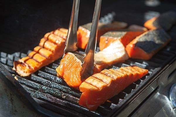 Łosoś - pyszna potrawa z patelni grillowej